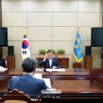 Presidente Moon Jae-in dialoga con el Rey de España sobre la cooperación contra COVID-19